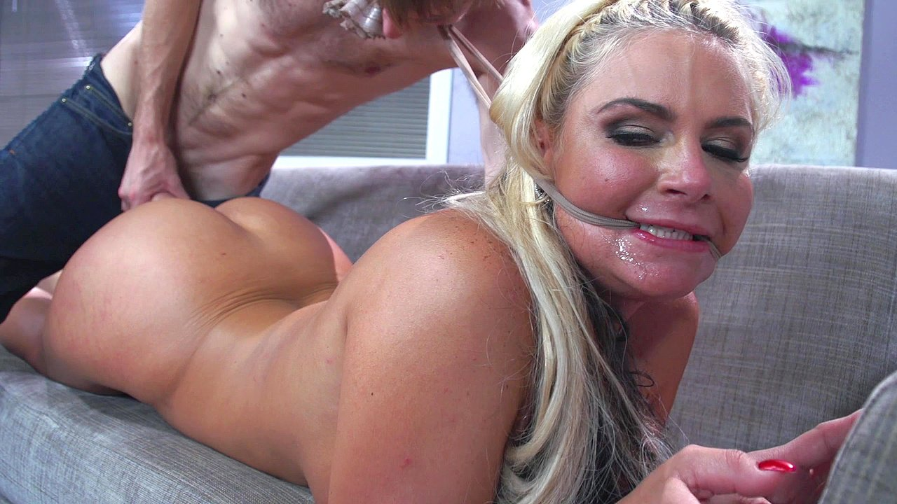 Uk ebony slut lola marie squirts for the first time - 2 part 7