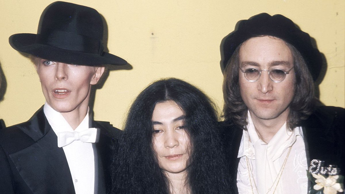 "Yoko Ono opens up about David Bowie: He ""was as close as family"" https://t.co/sxDBqHewkh https://t.co/xBJDa8R67k"