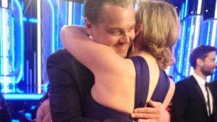 Golden Globe: Leonardo DiCaprio e Kate Winslet, l'abbraccio più bello della serata è il loro https://t.co/NEYNrnbtBN