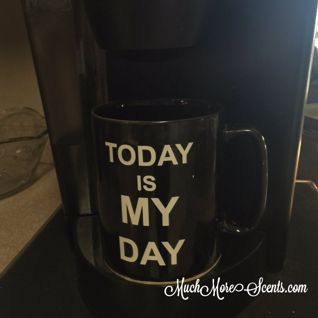 #MuggingMonday -- Show me your coffee mug ! Today is my day! Not waiting on tomorrow. pic.twitter.com/miSKrodHaT