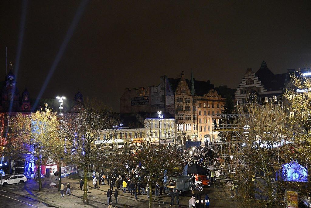 Zweedse politie verzweeg Keulse toestanden #stockholm #malmo https://t.co/Ubytt3QEBn https://t.co/wtzHLwdbjP