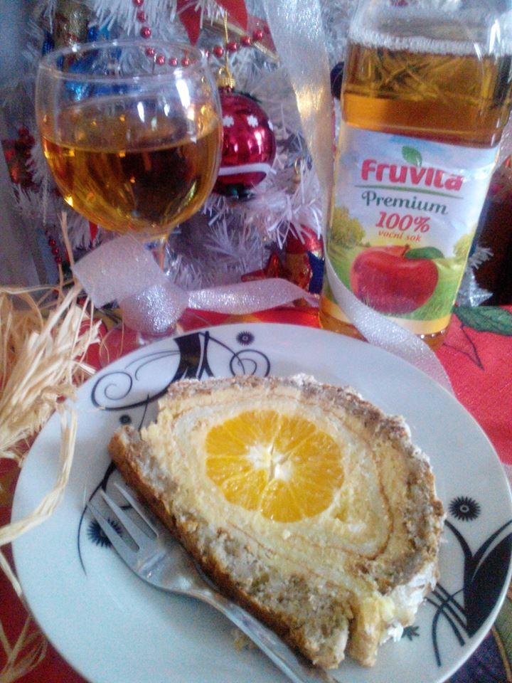 Praznična atmosfera sa Fruvita Premium sokom. Fotografija učesnice na foto konkursu #Fruvita https://t.co/Q0ZwTe0WnG https://t.co/N8l9hvFWka