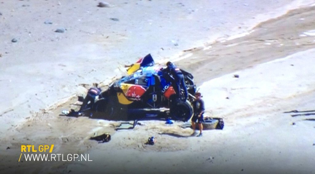 It's true, @SebastienLoeb has rolled out of the @Dakar lead as @AlAttiyahN wins the stage, the Pug is right mess. https://t.co/zXqWRLHvTI