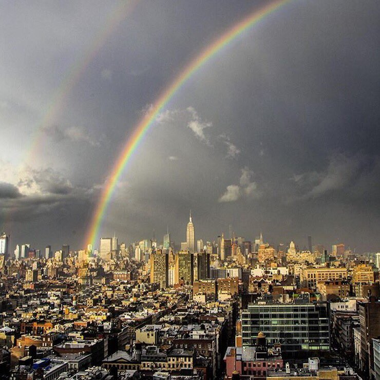 There was a double rainbow over NYC yesterday. #DavidBowieRIP (photo via @colintunstall) https://t.co/qjOctd4BOM