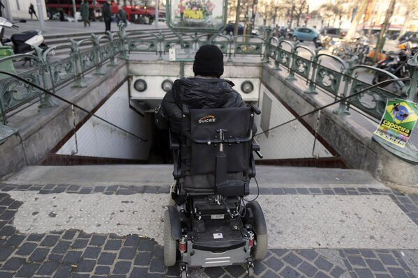 4 projets pour rendre  #Paris plus accessible aux personnes handicapées https://t.co/0vnqcfhv1C @UnHandicap - https://t.co/SM0fbYTTcj