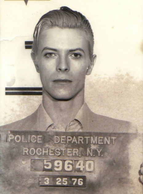 Quite literally, the most beautiful mug shot ever taken... #DavidBowie https://t.co/3qKX1LzBBb