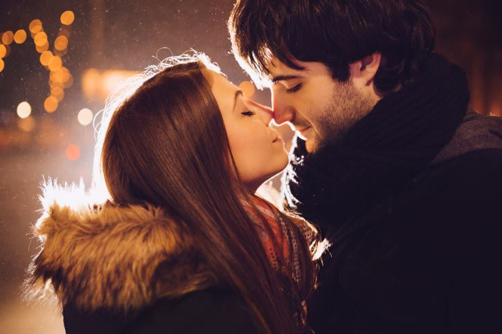 when should i kiss him