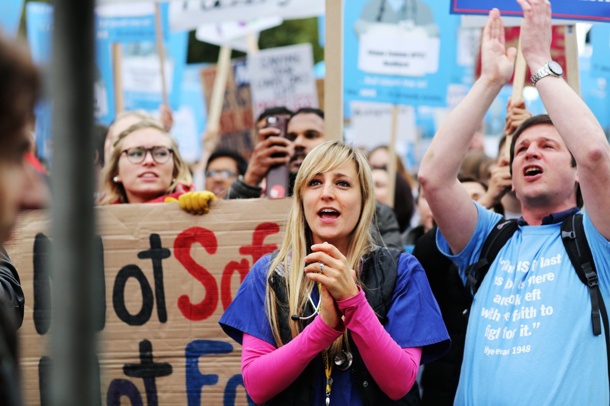 Today junior doctors across the country stand up for a fair and safe #juniorcontract. Join them using #junioraction https://t.co/UMJ3uOq8S4