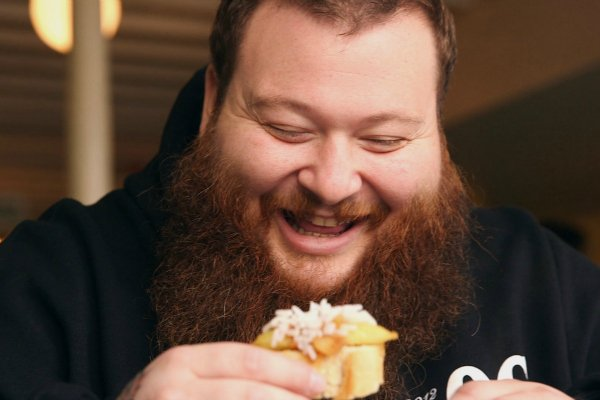 .@ActionBronson's 'Fuck, That's Delicious' Is Coming to Cable TV In March https://t.co/ZvV5GdOPSt https://t.co/TcMgjS93SH