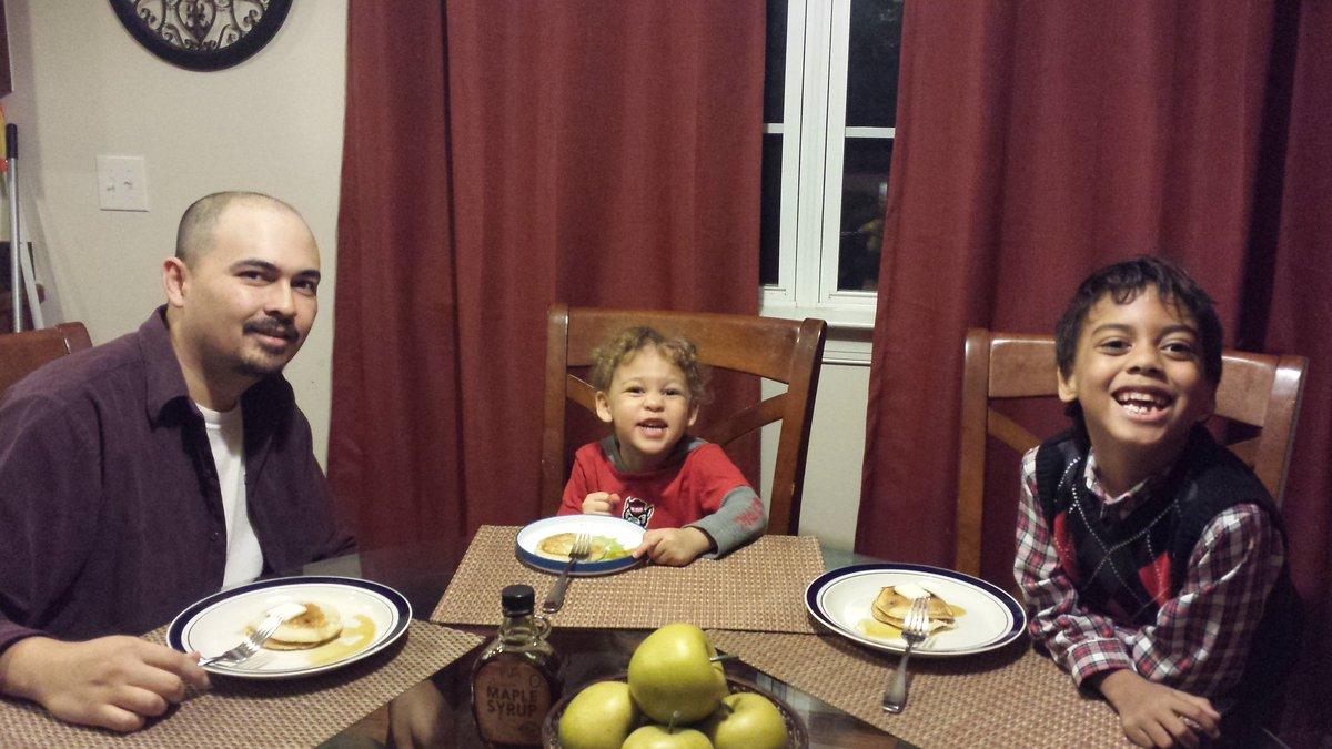 Pancake dinner for Joel. Thanks for sharing your journey @ryangreen8  #ThatDragonCancer https://t.co/ZCW8puAnPI