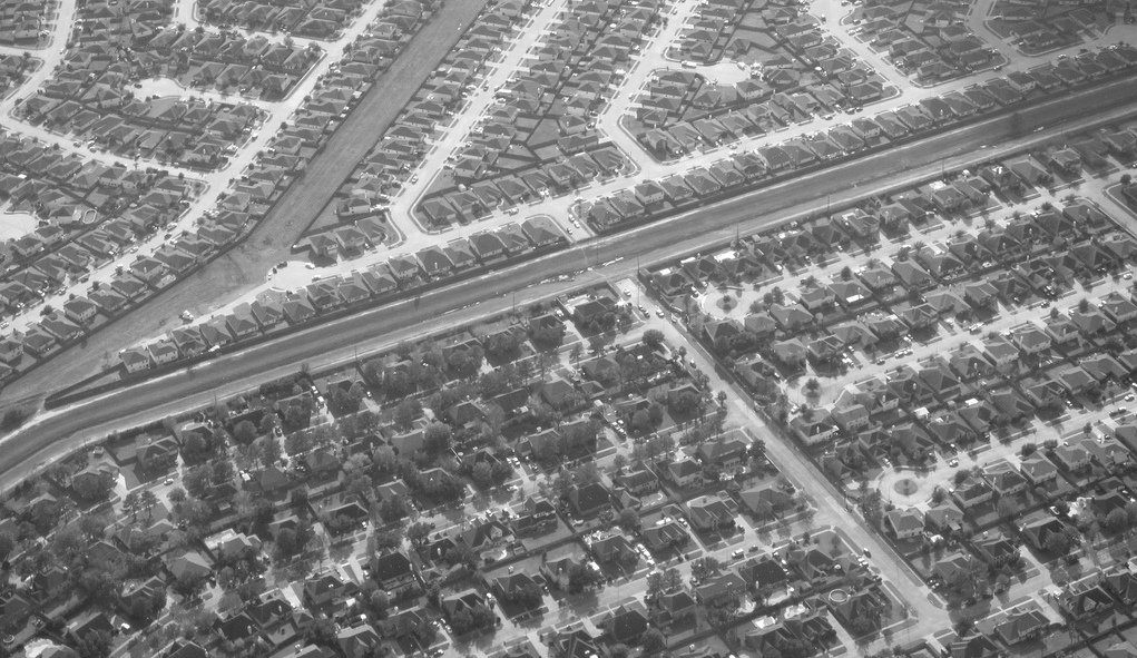 The Story of Sprawl, as told by eight historic films, available on Planetizen Courses. https://t.co/0NisS4zSRJ https://t.co/HlaDwx5r9b