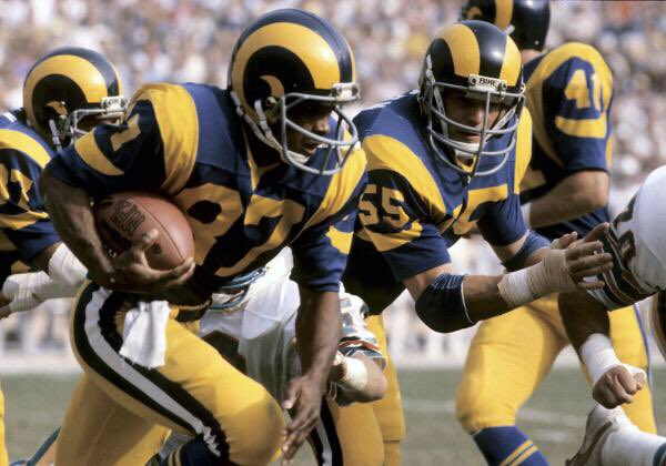 77b25ee0dd8 As you've probably heard by now, the Rams are moving back to L.A. for 2016.  The Chargers may be joining them; if not, the Raiders would have the option  to ...