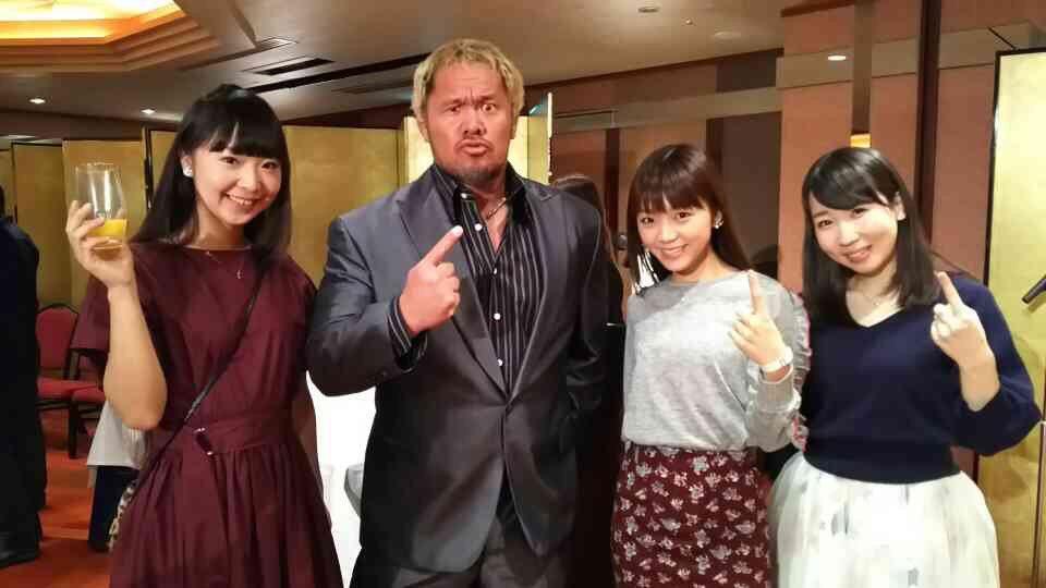昨日はブシロードグループの新年会でした!来月公開の劇場版ミルキィにも出演してくださる、新日本プロレスの真壁選手にもご挨拶できましたっ♪抽選会ではロクシタンのルームフレグランス当たったよー(=゚ω゚)ノ❤️ pic.twitter.com/XgXUo21MoZ
