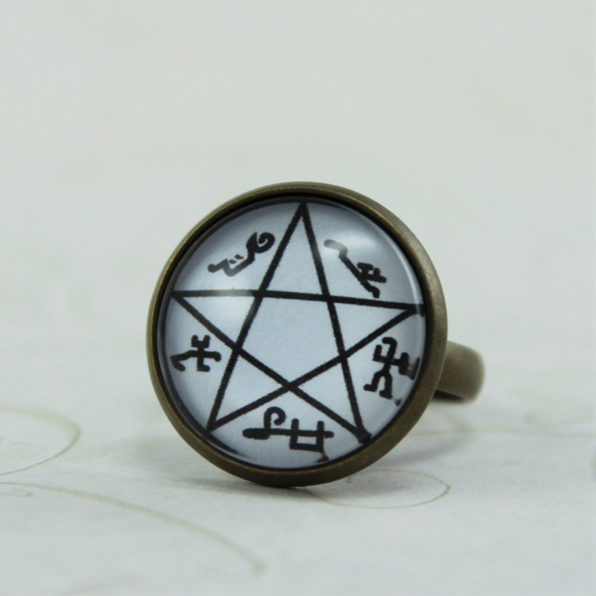 Mona Laina On Twitter Demon Trap Symbol Ring Supernatural Jewelry
