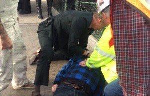 ICYMI: @athenahealth CEO @jonathan_bush dropped everything to try & save a life. #jpm16  https://t.co/txTkUyOx2M https://t.co/dCuKN4QkkX