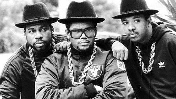 Run DMC, rapper visionari che hanno trasformato la loro musica in qualcosa di eterno