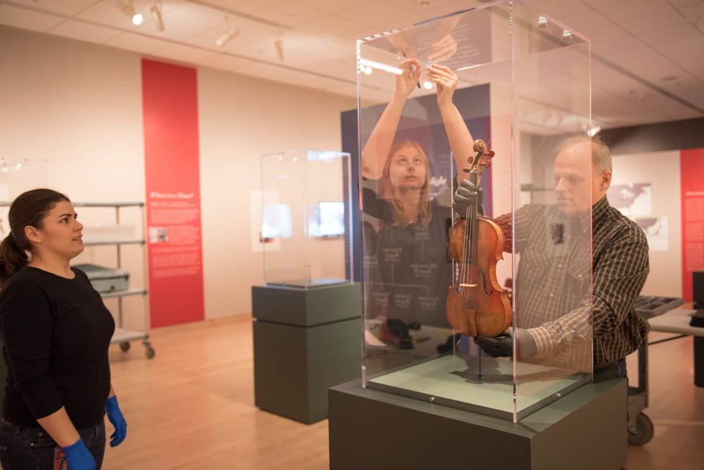 Stradivarius Opening Weekend 1/16-17 will feature talks by experts & musicians https://t.co/BWtzUlcROb #MadForStrad https://t.co/cxwKjSIoOM
