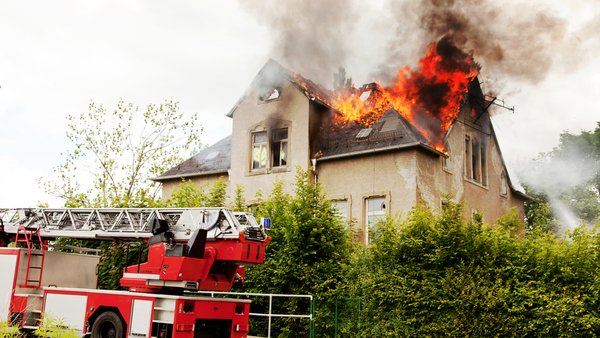 Cold weather increases the risk of house fires. Here are the 8 most common causes https://t.co/w19KAxXaR4 #insurance https://t.co/qN3PsiRHUX