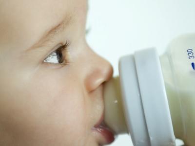Allerta latte per bebè contaminato batteriologicamente
