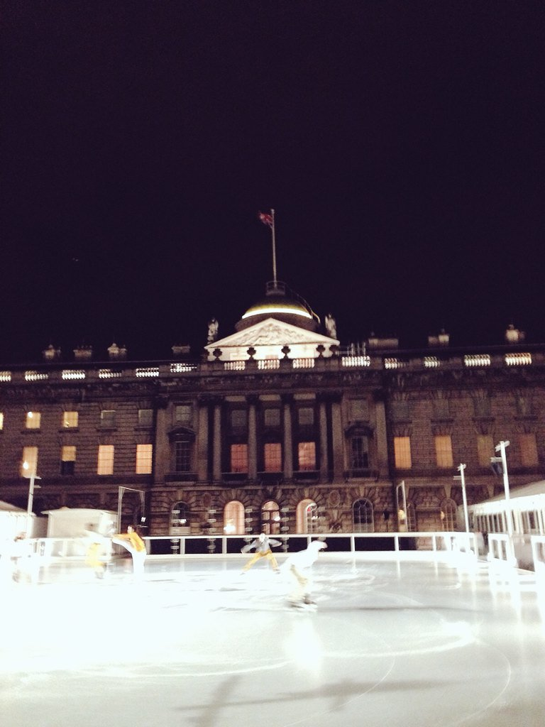 Impressive show by @lepatinlibre tonight. Amazing moves against a grand @SomersetHouse set. Literally chilling. https://t.co/AUPcuGmQUO