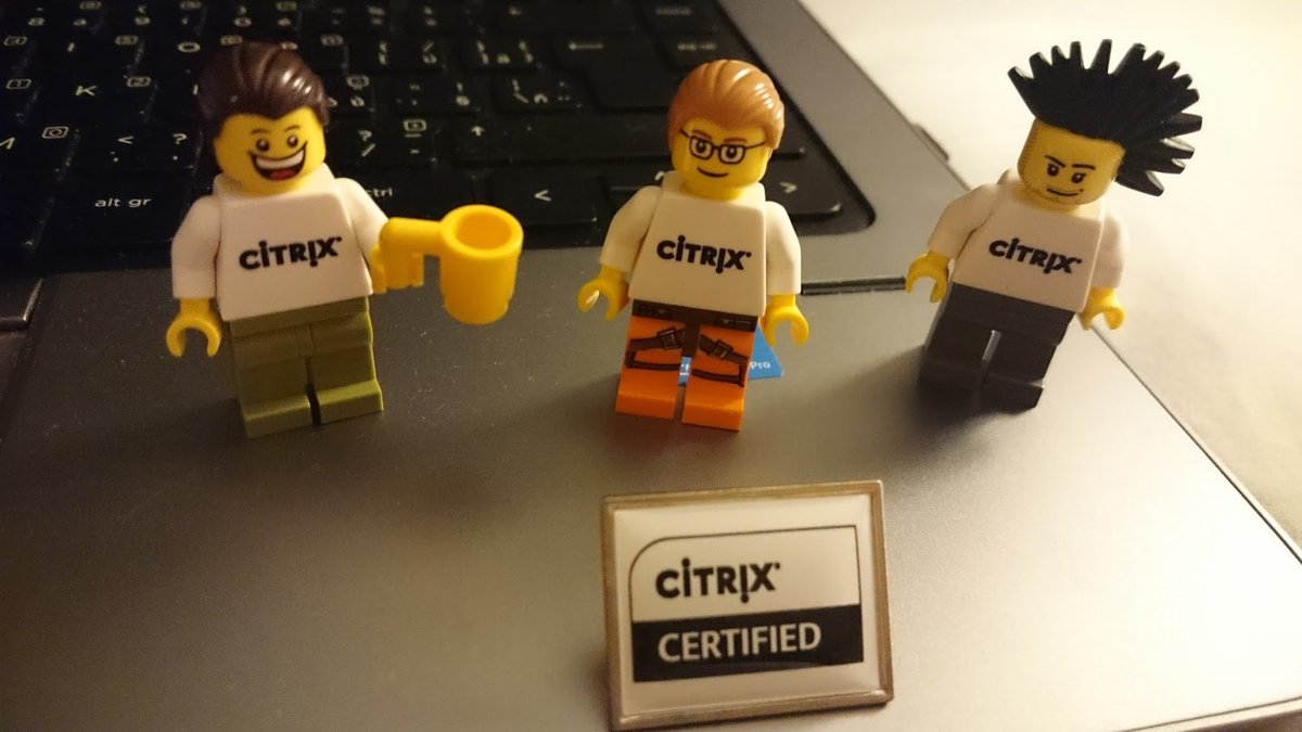 Celebrating with my Lego friends :-) #CitrixSummit https://t.co/h6RU1B4noo