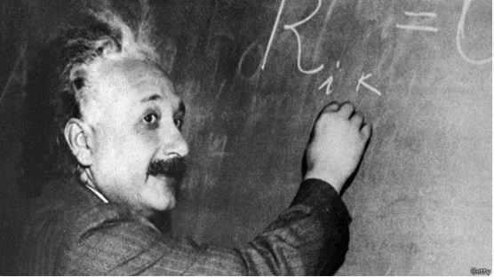 Le onde gravitazionali di Albert Einstein