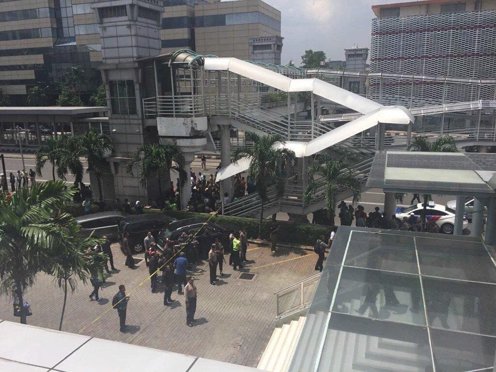 ISIS likely behind Jakarta Starbucks suicide bombings