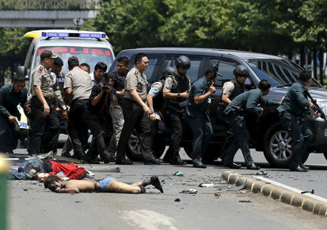 इन्डोनेसियाको राजधानीमा विस्फोट र गोलाबारी, कम्तीमा ६ को मृत्यु