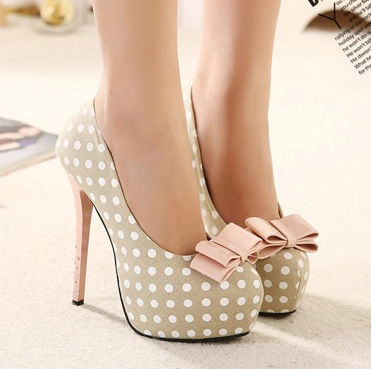 Shoes & High Heels (@HeelsCom) | Twitter