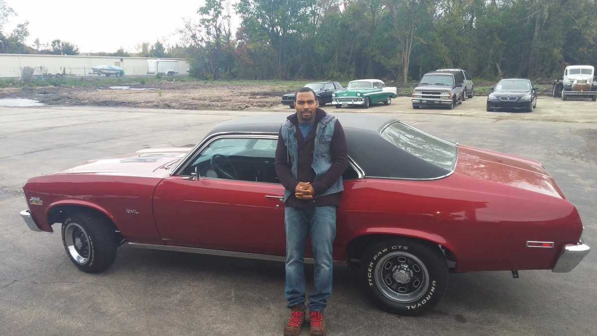 Photo of Omari Hardwick  - car