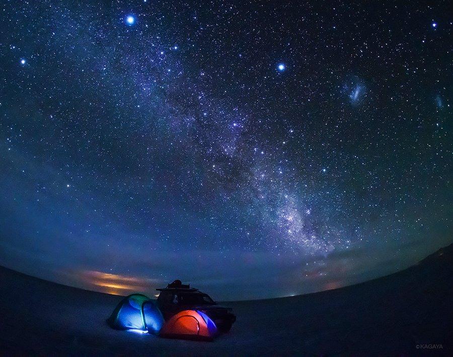 標高3700m。世界で最も平らな場所、南米ウユニ塩湖。そのど真ん中で最高のキャンプ。(本日撮影) pic.twitter.com/EiV6jFN1as