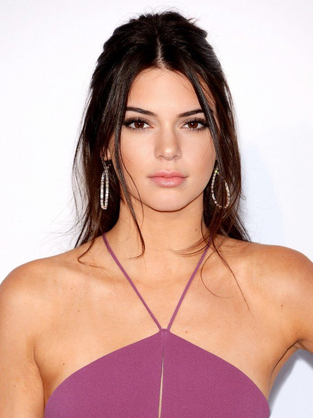 Here's Why People Are Upset Over Kendall Jenner's New Fashion Campaign