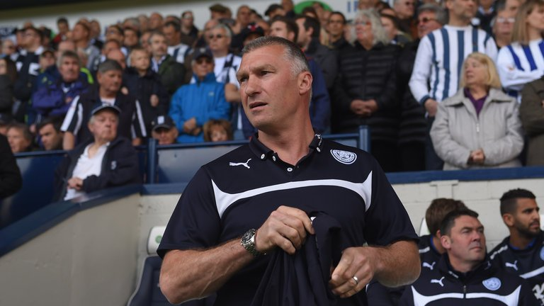 Nigel Pearson is the early favourite with @SkyBet to be the next Bristol City manager > https://t.co/dTFNRN88DQ https://t.co/m9DlAYuvUQ