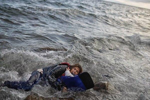 Resultado de imagen de refugiada mujer bebe