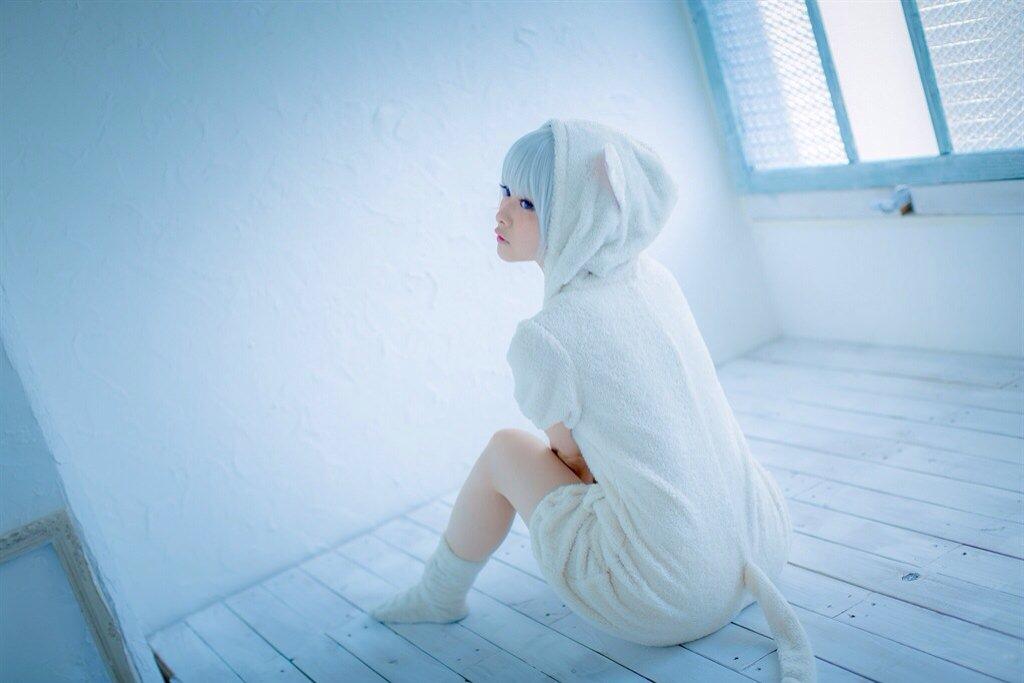 昨日の撮影。 白猫パジャマ model : @tometo_photo