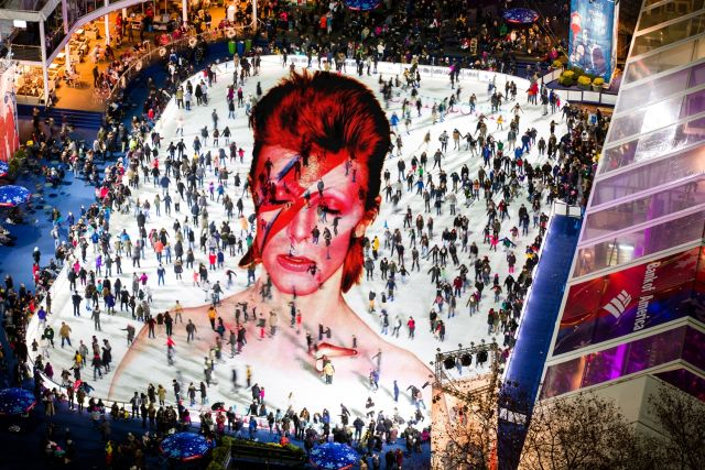 Tonight, skate to tunes by #DavidBowie at a @BryantParkNYC tribute to the late musical icon. https://t.co/sVlEIm7oo7 https://t.co/QomNA5cMRI