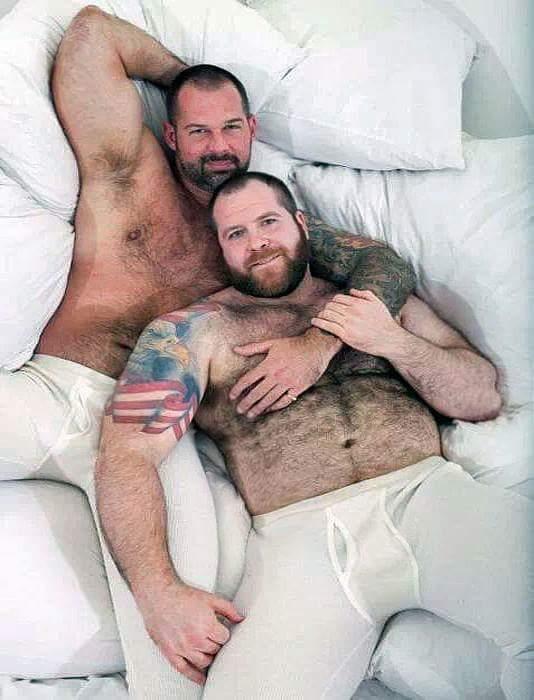 Hairy Men & Gay Bear Porn Reviews - GayDemon