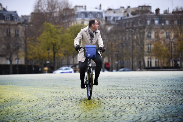 Les Parisiens préfèrent le vélo à la voiture  https://t.co/7GievpGBZl - #Paris - @Velib - @C_Najdovski - https://t.co/OaAZzDRhK6