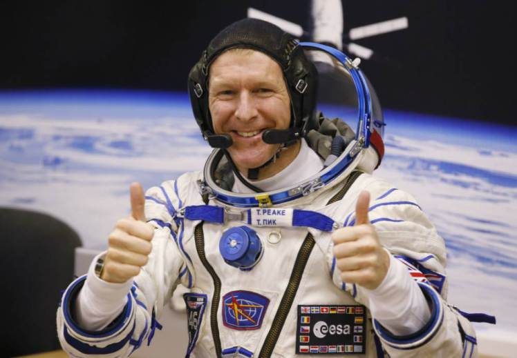 Via @MNetAbbey @astro_timpeake Becomes First Briton To Walk In Space #spacewalk https://t.co/7YZRwX2CpA https://t.co/t6ipihUT0Z