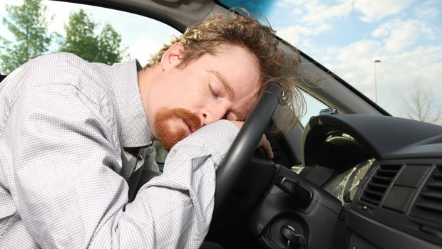 Stop alle patenti di guida per chi soffre di apnee notturne