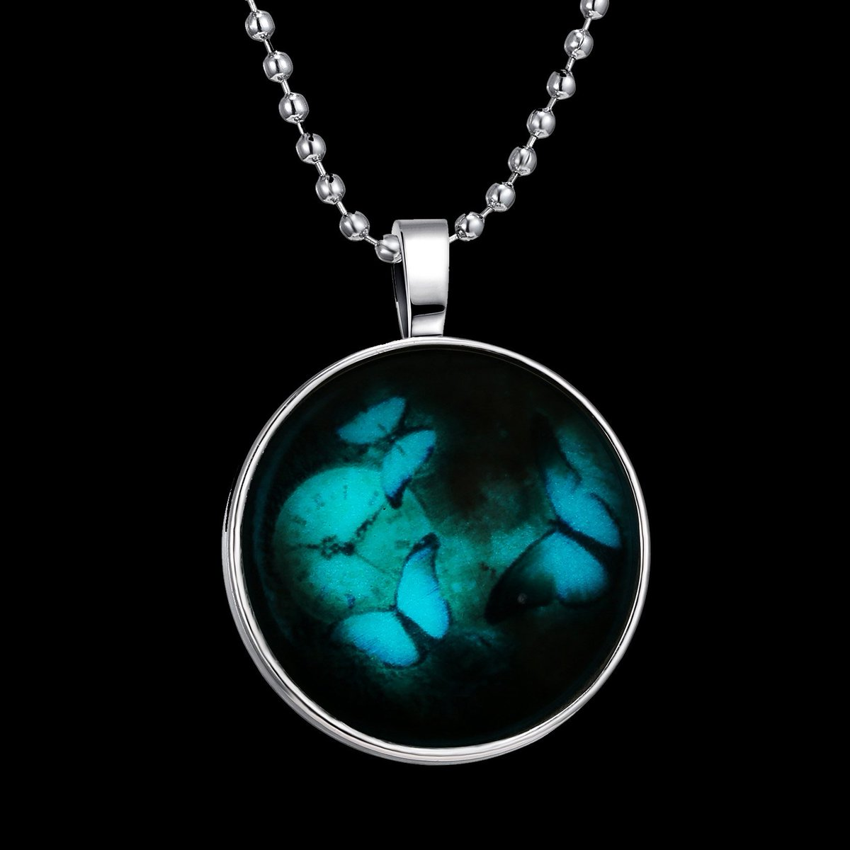 Twitter Giveaway! Winner will be chosen on Monday for this GLOW pendant! Retweet to enter. https://t.co/V8nB2MKhdq https://t.co/89leIe5Lm8