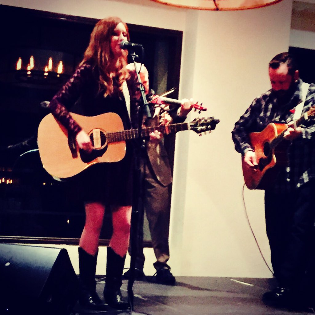 What an honor to play at @TheAACE conference for the leaders in #diabetes care. #type1diabetes #countrymusic https://t.co/5GTotWrn3H