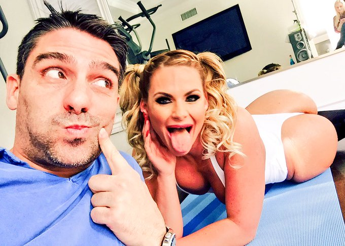 Yesterday shoot for #BigWetButts @Brazzers @PMarizzle and myself plotting for the scene, oil, anal, dp