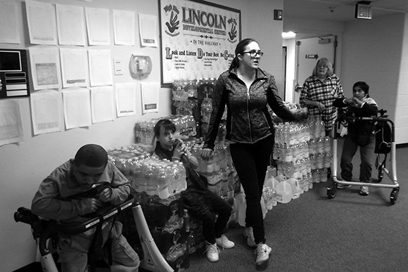 Want to help with the #Flintwatercrisis? Here's what you can do in #GrandRapids: https://t.co/5sYZzPtWTk https://t.co/vOHKlXAaKP