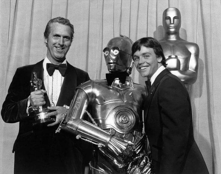 #StarWars at the #Oscars! #tbt https://t.co/dhp88iu4Vu