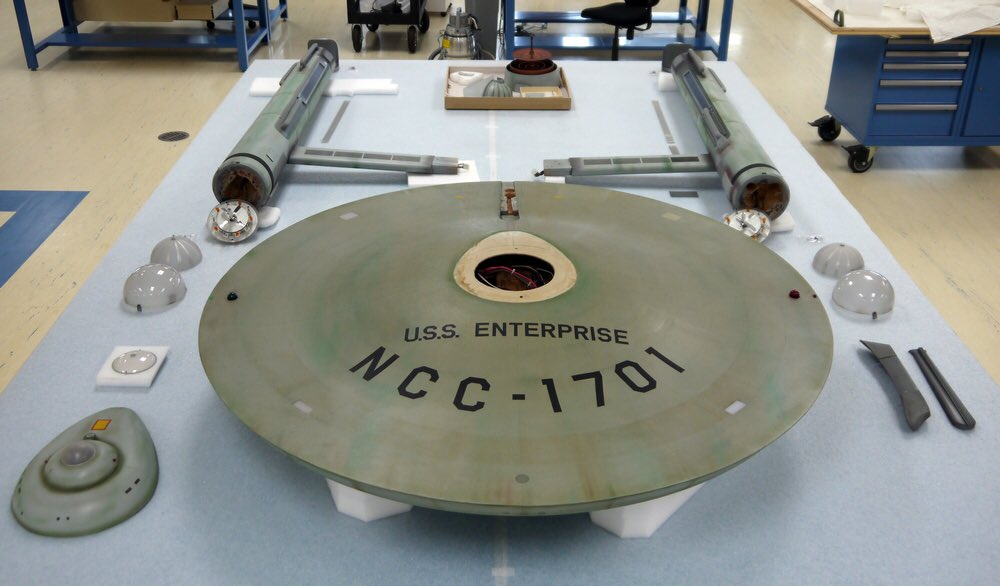 My old ILM pals are restoring the original USS Enterprise for the Smithsonian: https://t.co/KQJJFVnQwc https://t.co/6oRTsnEB2k