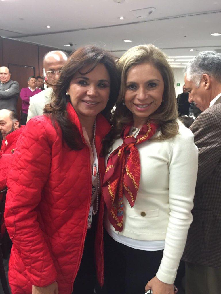 Felicidades @SoyBlancaAlcala por tu designación como candidata de unidad al gobierno de Puebla. #JuntosConBlanca https://t.co/qvYffV44ir