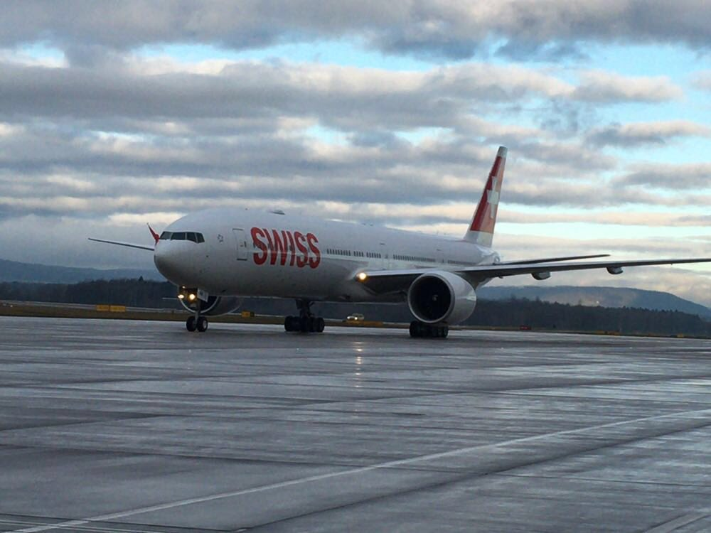No need to wait any longer: the new Queen of Switzerland's skies arrived in her new home. #flyswiss777 https://t.co/PmSo6p51Qi