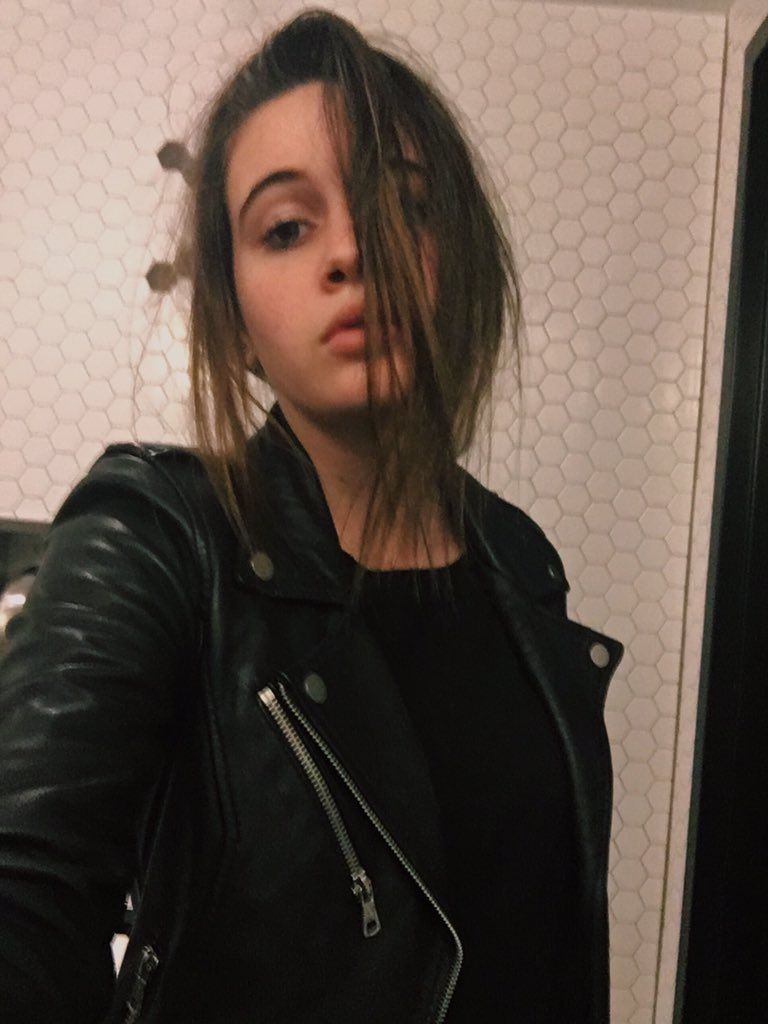 Selfie Bea Miller naked (61 foto and video), Tits, Paparazzi, Feet, legs 2018