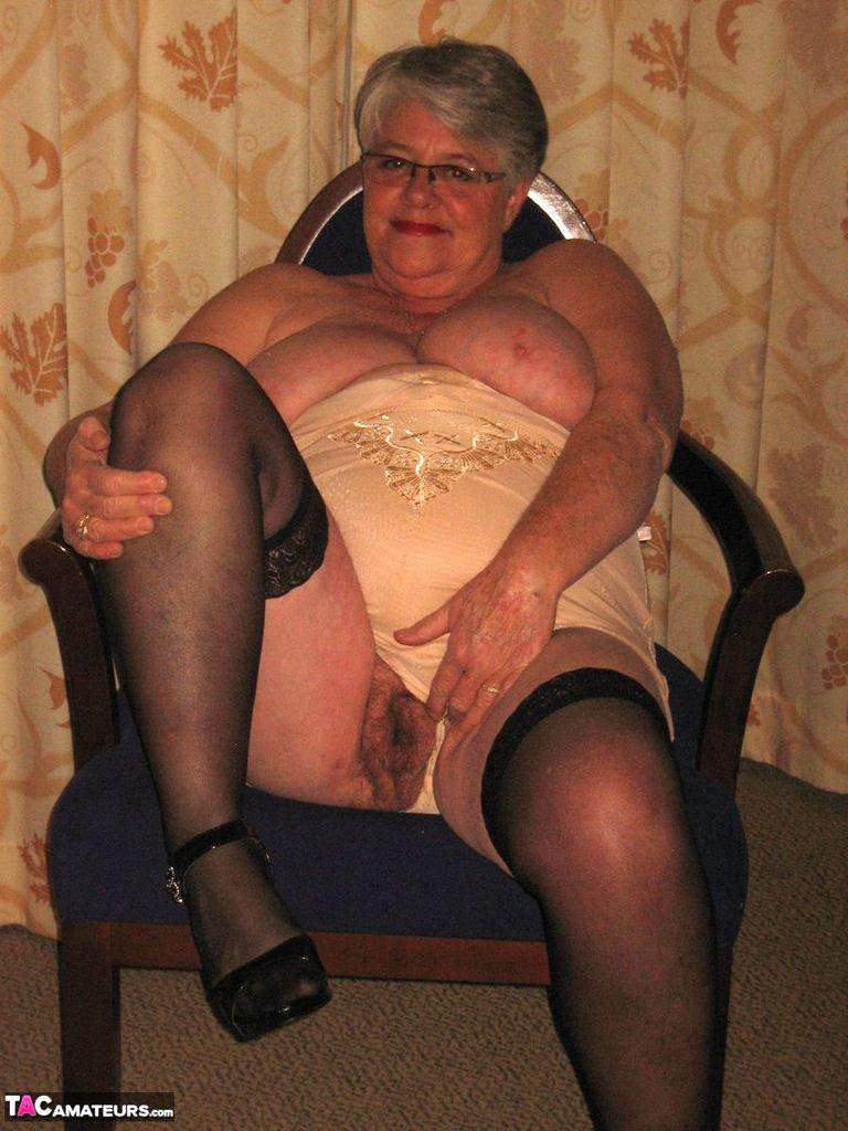 "Granny Girdle Porn Pics pertaining to tacamateurs on twitter: ""mature amateur porn granny girdlegoddess"